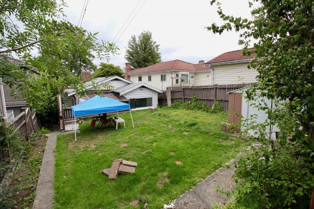 2454 E 20th Ave Back yard